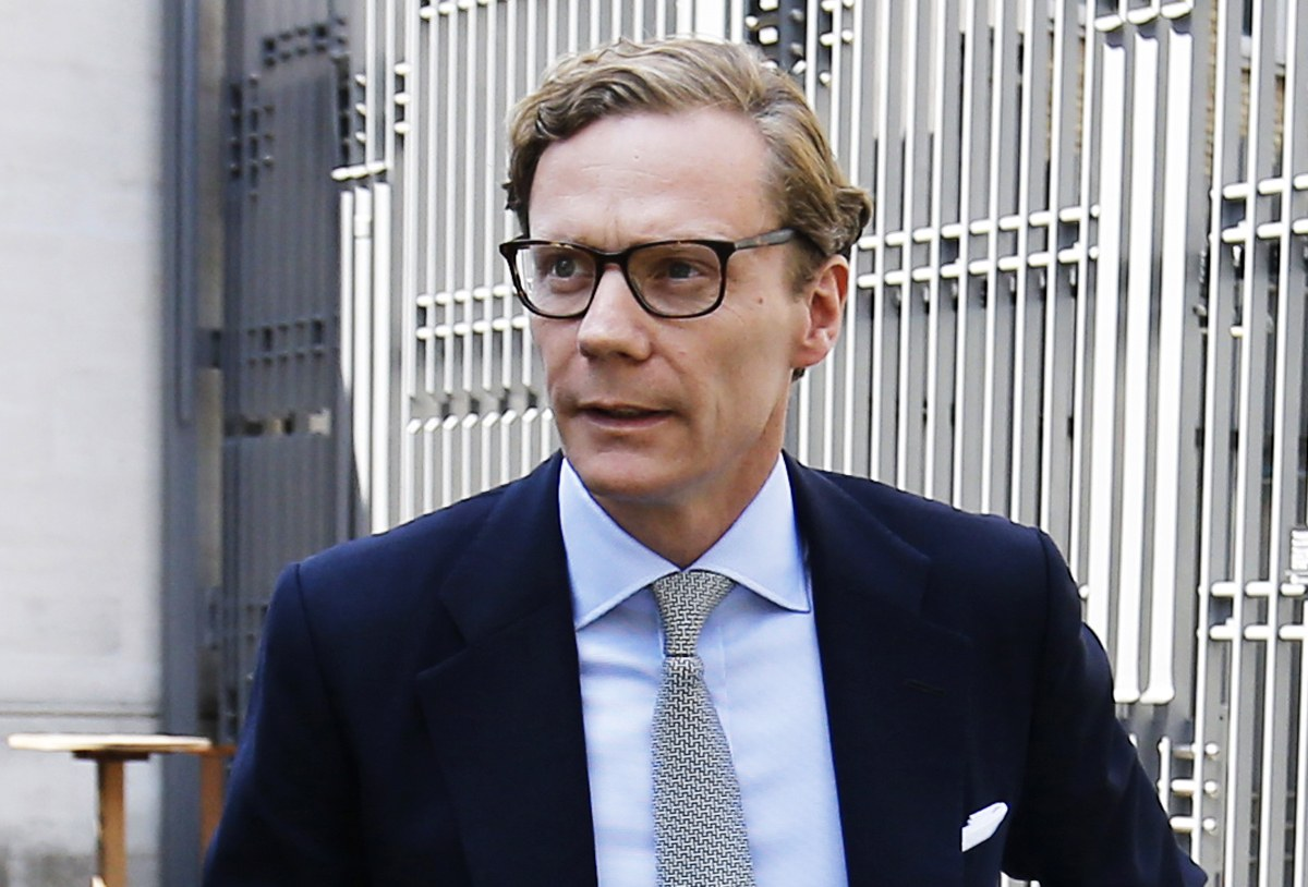 Mais que vient faire l'ancien patron de Cambridge Analytica à Cannes?, par Fred Bouchar (MM)